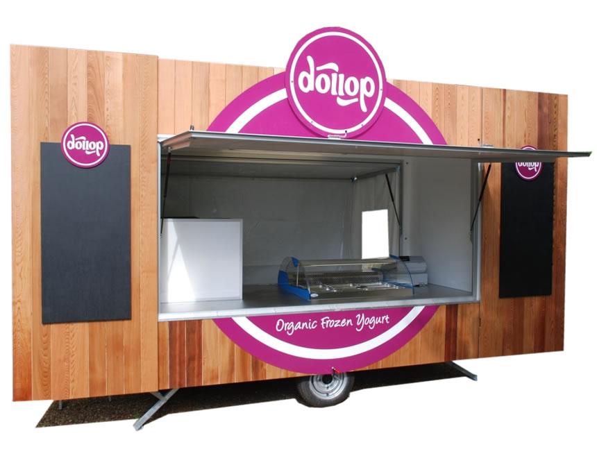 euromarketeer-catering-trailer-frozen-yoghurt.jpg