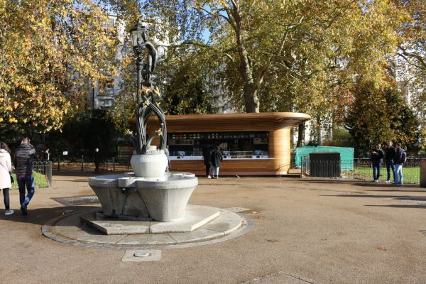 Colicci-Royal-Parks-2018-City-kiosk-Coffee-Steam-Bent-Oak-Raffield-Image11