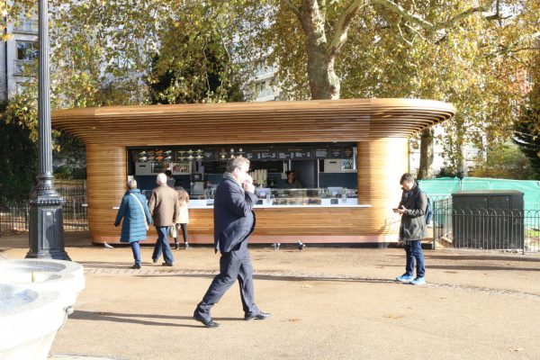 Colicci-Royal-Parks-2018-City-kiosk-Coffee-Steam-Bent-Oak-Raffield-Image2