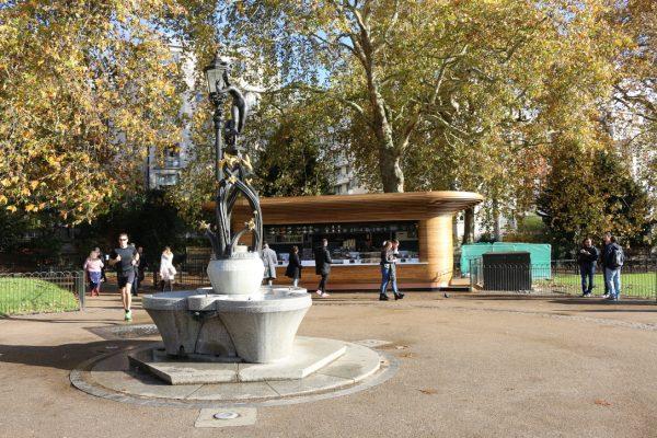 Colicci-Royal-Parks-2018-City-kiosk-Coffee-Steam-Bent-Oak-Raffield-Image5
